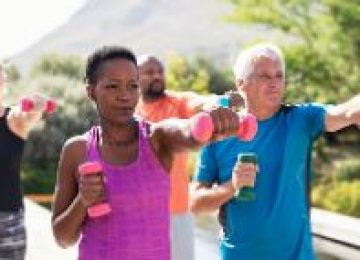 Interventions for promoting physical activity in nursing homes : Systematic review of the effectiveness of universal prevention