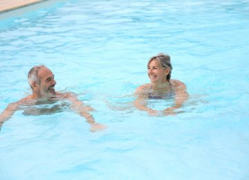 Water-based aerobic training improves strength parameters and cardiorespiratory outcomes in elderly women