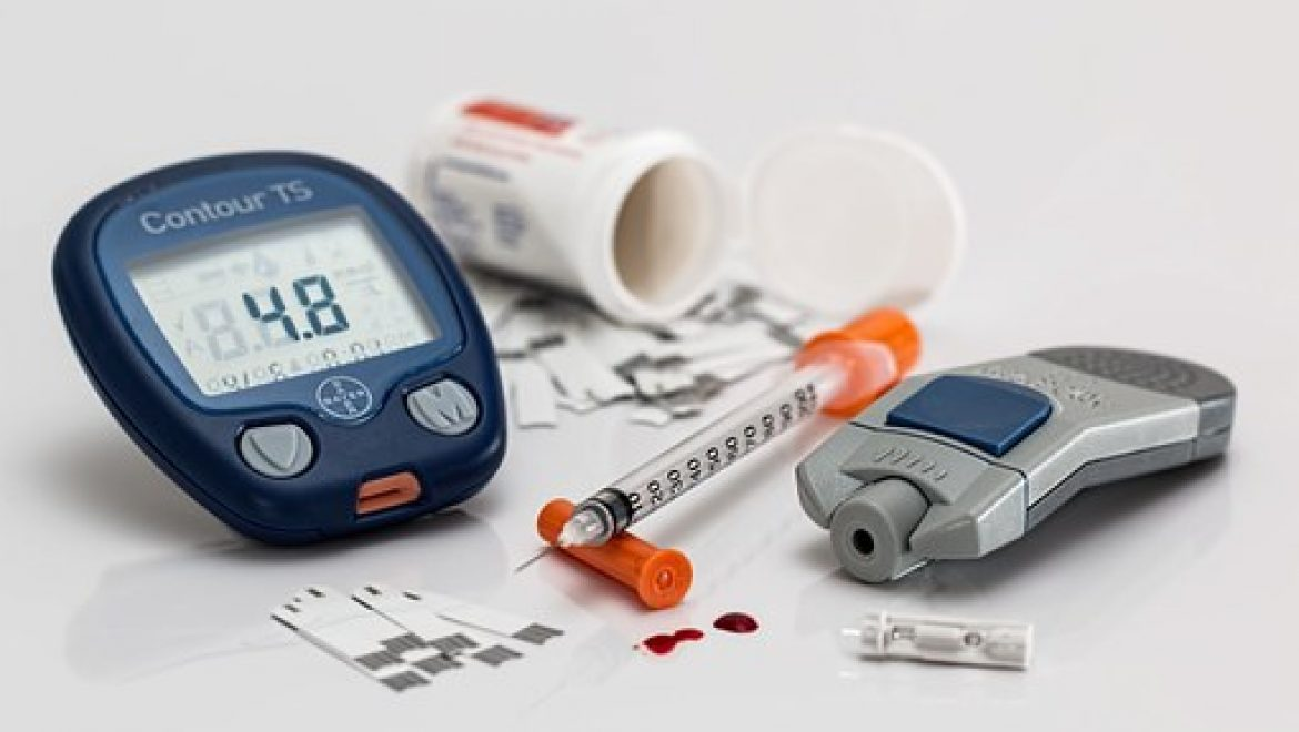 COVID-19 Lockdown and Changes of the Dietary Pattern and Physical Activity Habits in a Cohort of Patients with Type 2 Diabetes Mellitus